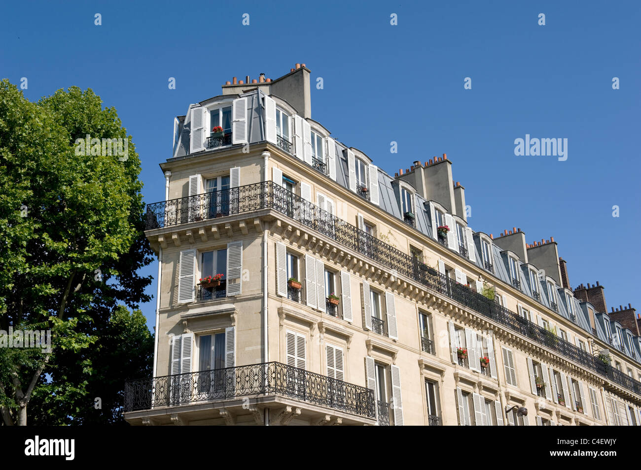 Art Nouveau facade at Boulevard de Magenta, corner rue Guy Patin, in Paris near Gare du Nord - Stock Image