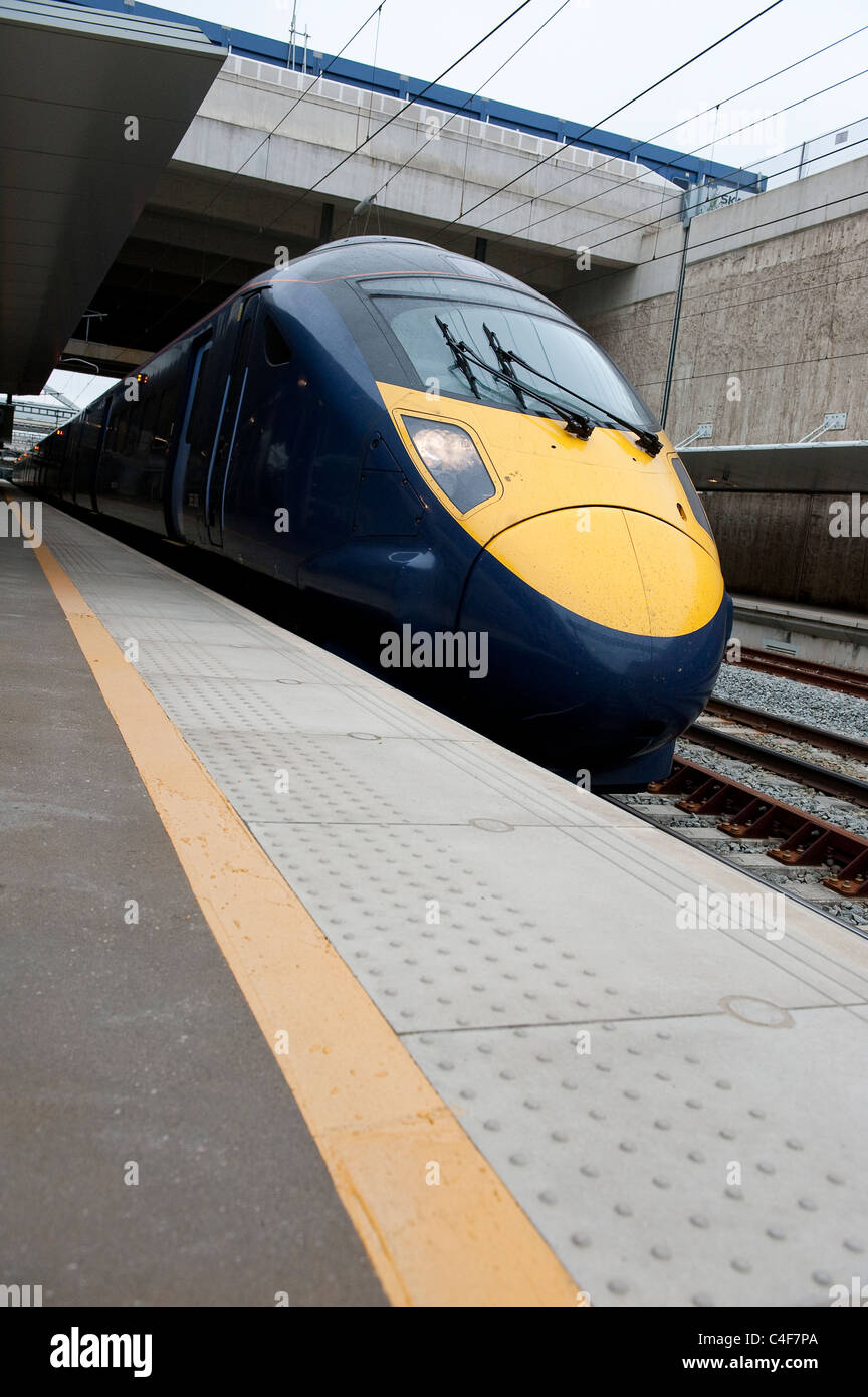 Southeastern high speed class 395 olympic javelin train waiting at St. Pancras station, London, England. - Stock Image