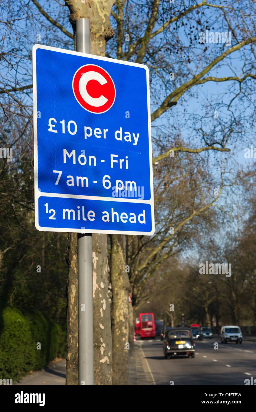 10 pounds congestion charge sign, London, UK - Stock Image