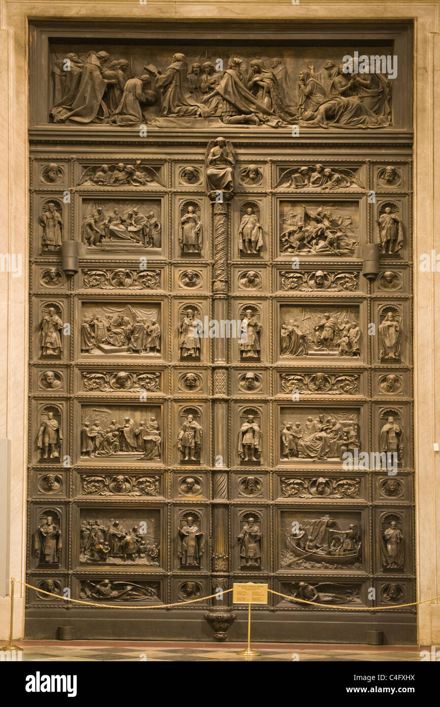 Russia , St Petersburg , St Isaac's Cathedral built 1858 , massive north door , wood & bronze , made 1846 - Stock Image