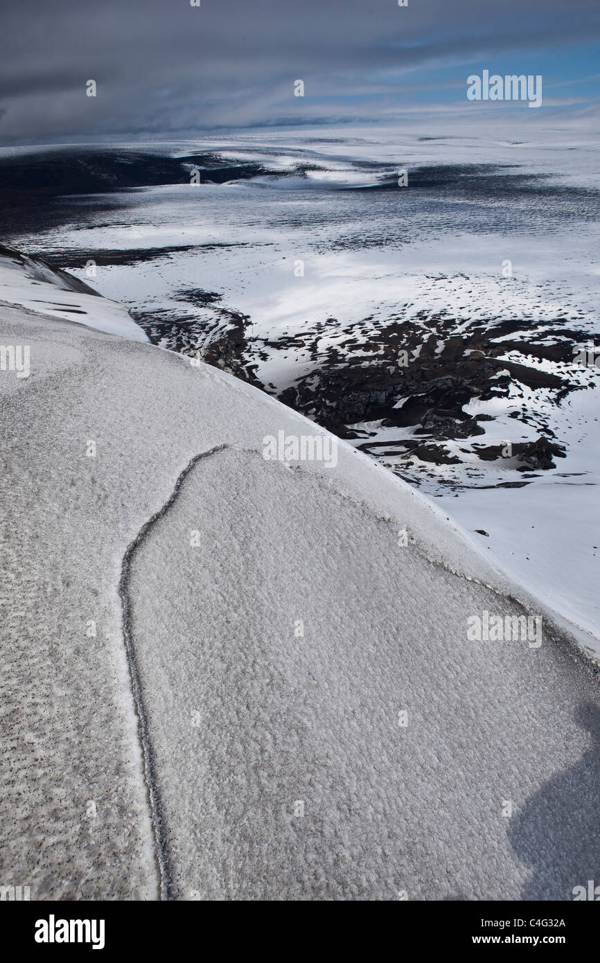 Mt Grimsfjall with ash fall from the Grimvotn volcanic eruption, Iceland - Stock Image