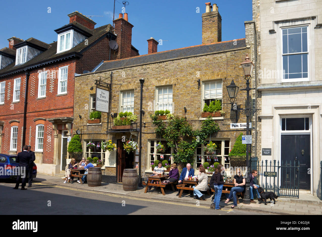 Two Brewers Pub Park Street Windsor Berkshire England GB UK British Isles - Stock Image