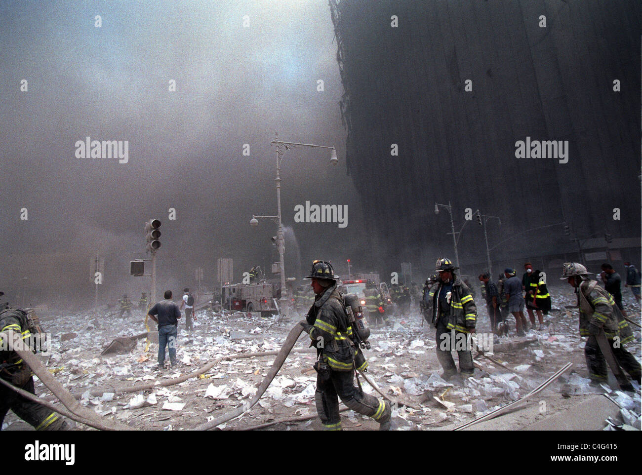 World Trade Center fire/ terrorism September 11, 2001. Liberty and West Streets. (© Richard B. Levine) - Stock Image