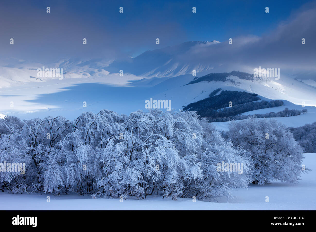 the Piano Grande in winter, Monti Sibillini National Park, Umbria, Italy - Stock Image