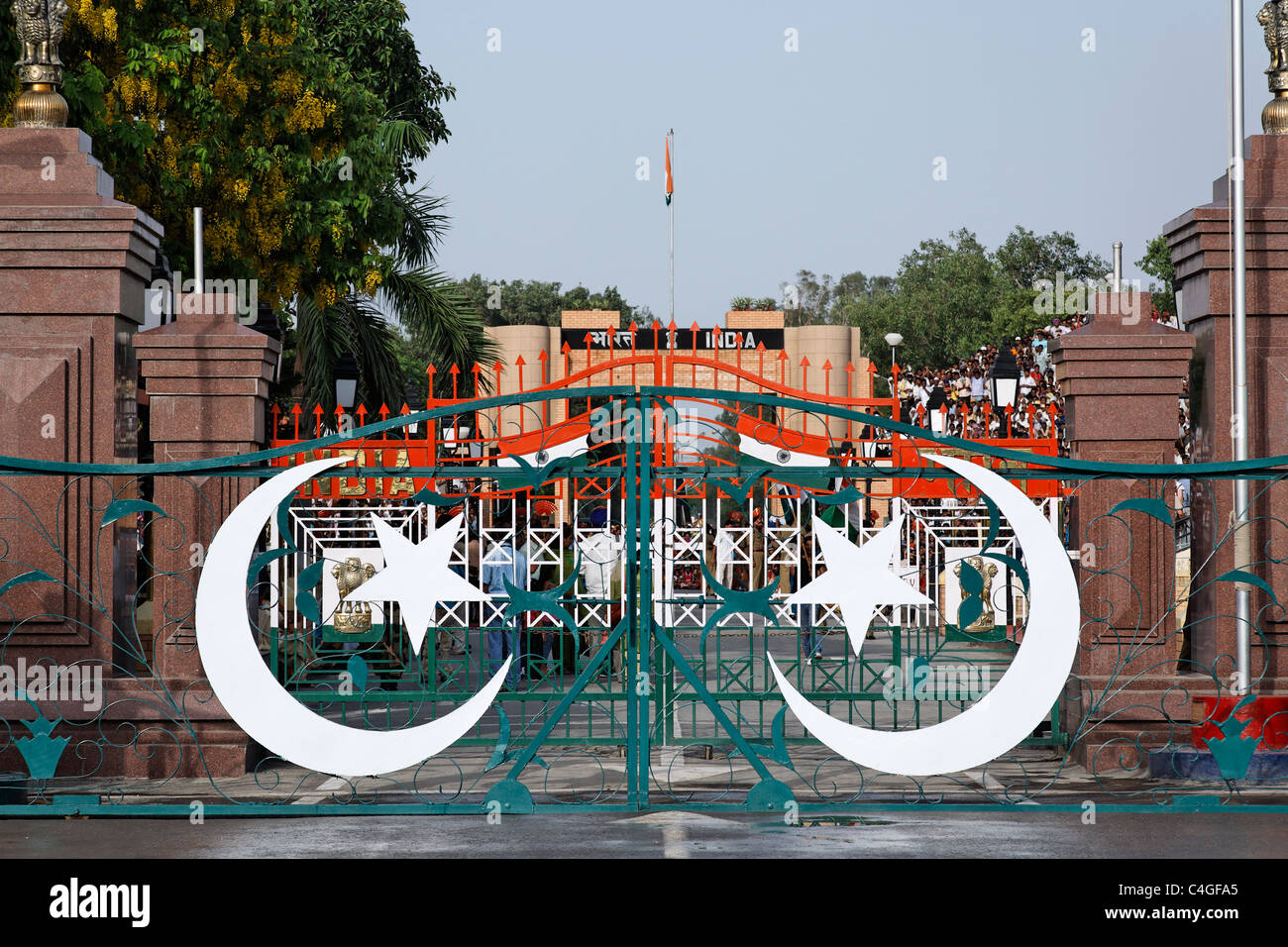 Pakistan - Punjab - Wagah - border gates between Pakistan and India - Stock Image