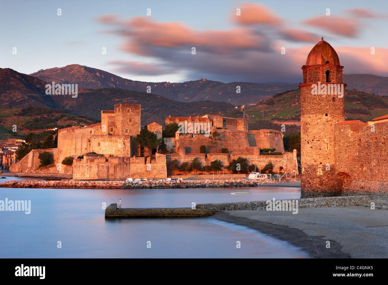 Collioure at dawn, Cote Vermeille, Pyranees-Orientales, Languedoc-Rousillon, France - Stock Image