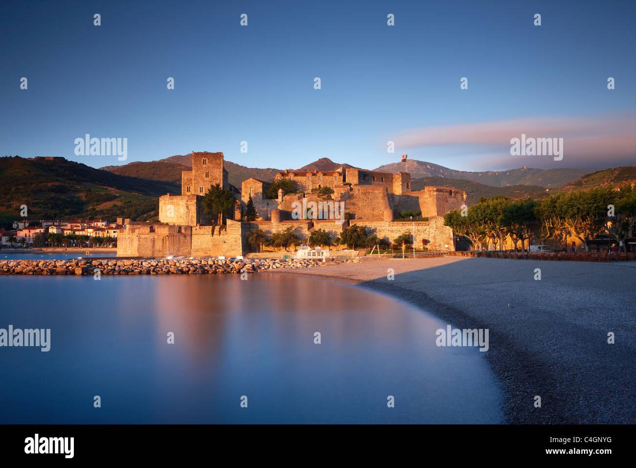 Collioure at dawn, Cote Vermeille, Pyranees Orientales, Languedoc-Rousillon, France - Stock Image