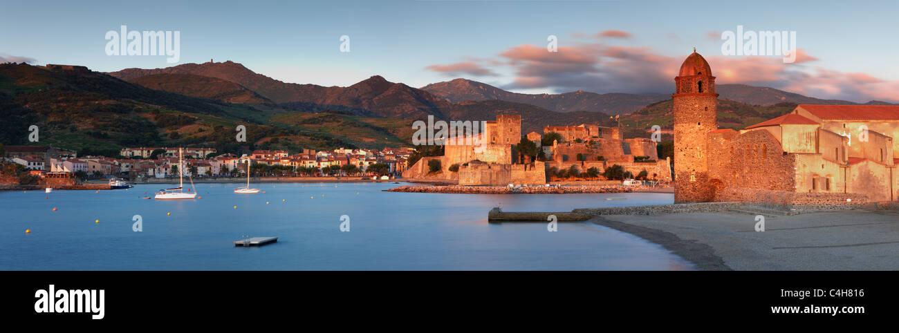 Collioure at dawn, Cote Vermeille, Pyraneess-Orientales, Languedoc Rousillon, France - Stock Image