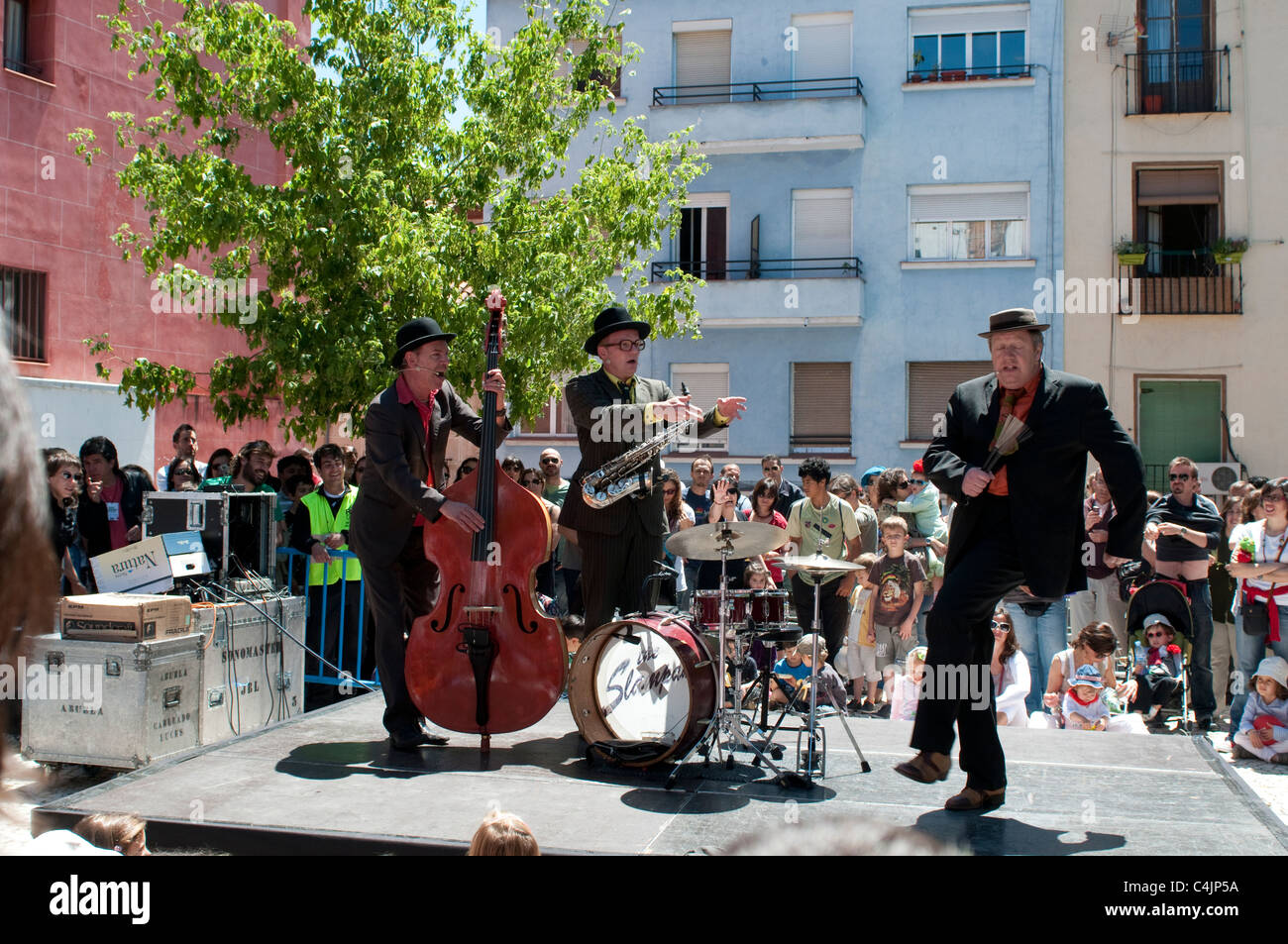 Dutch band, The Slampampers, San Isidro Festival, Plaza de la Corrala in Lavapies, Madrid, Spain - Stock Image
