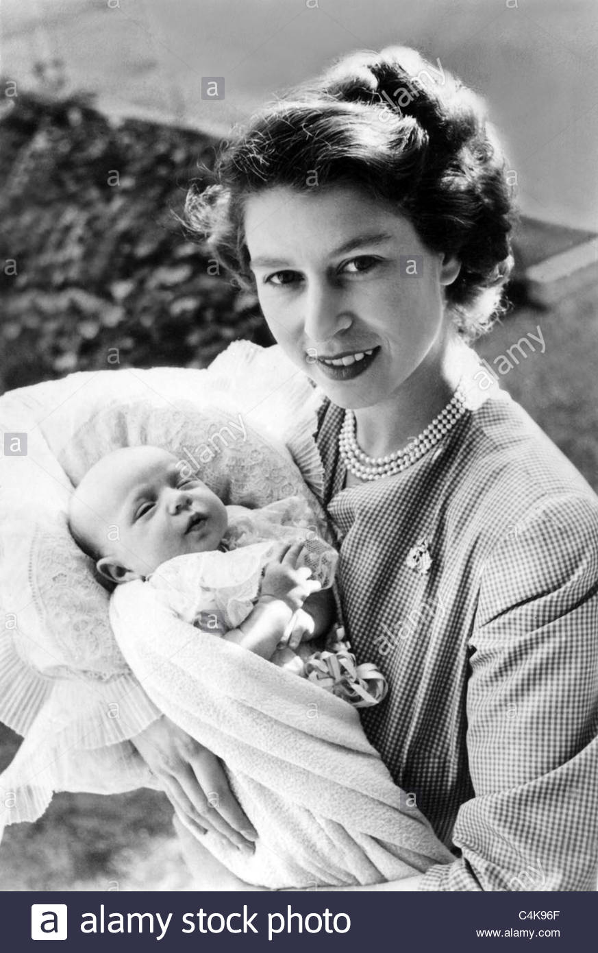 QUEEN ELIZABETH II & PRINCESS ANNE ROYAL FAMILY 01 May 1950 - Stock Image