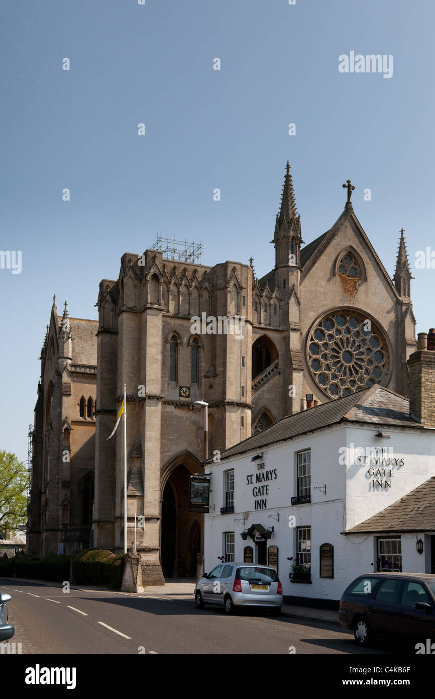 exterior of The cathedral Church of Our Lady and St Philip Howard Arundel and St Mary's Gate Inn - Stock Image