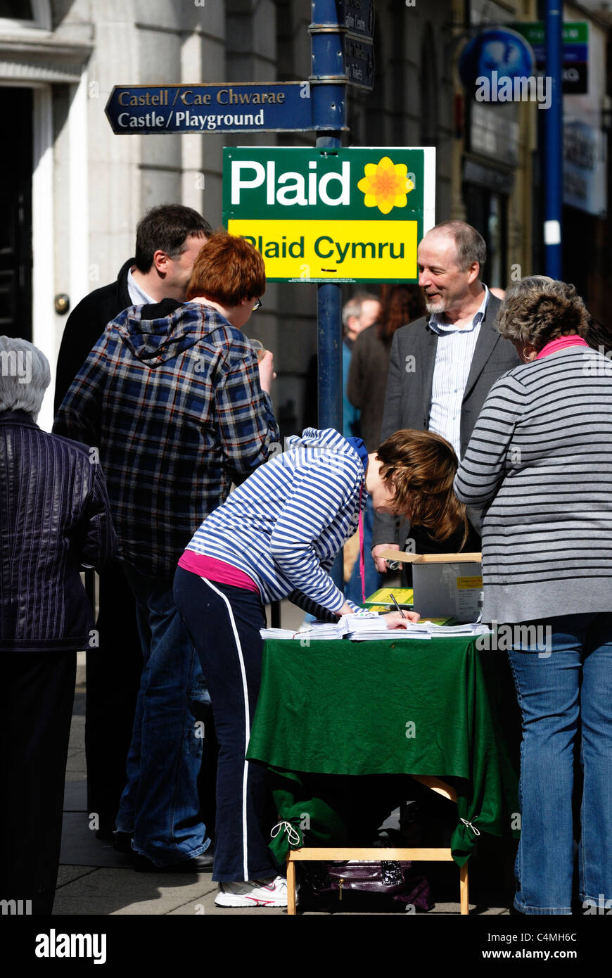 Stall promoting the political party, Plaid Cymru, Aberystwyth, Wales - Stock Image
