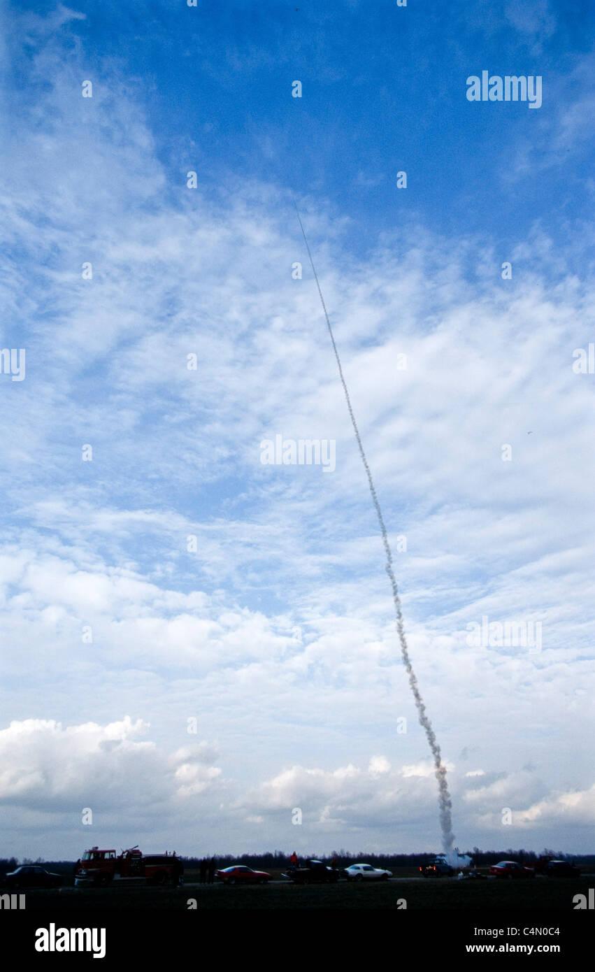 Amateur rocket launches-2097