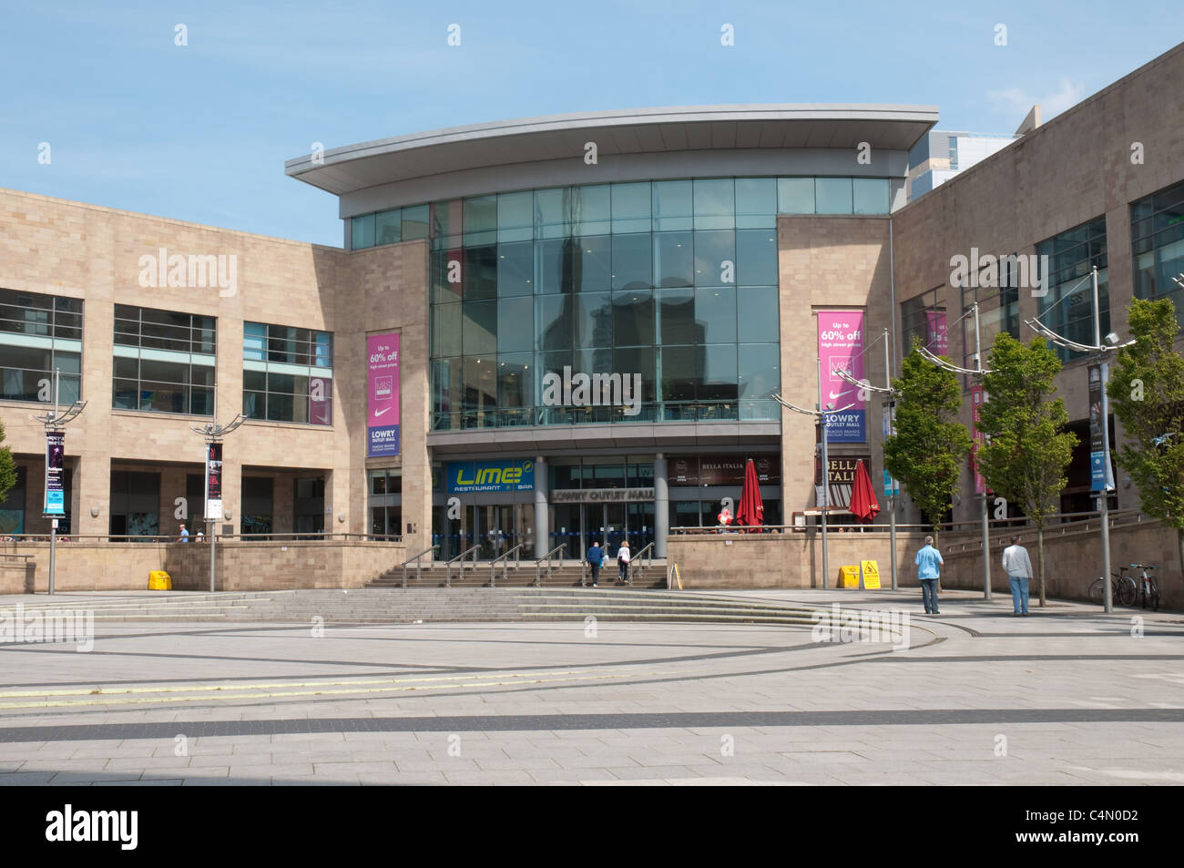 The Lowry Outlet Mall, Salford Quays.Retail,cafes,restaurants and cinema complex. - Stock Image