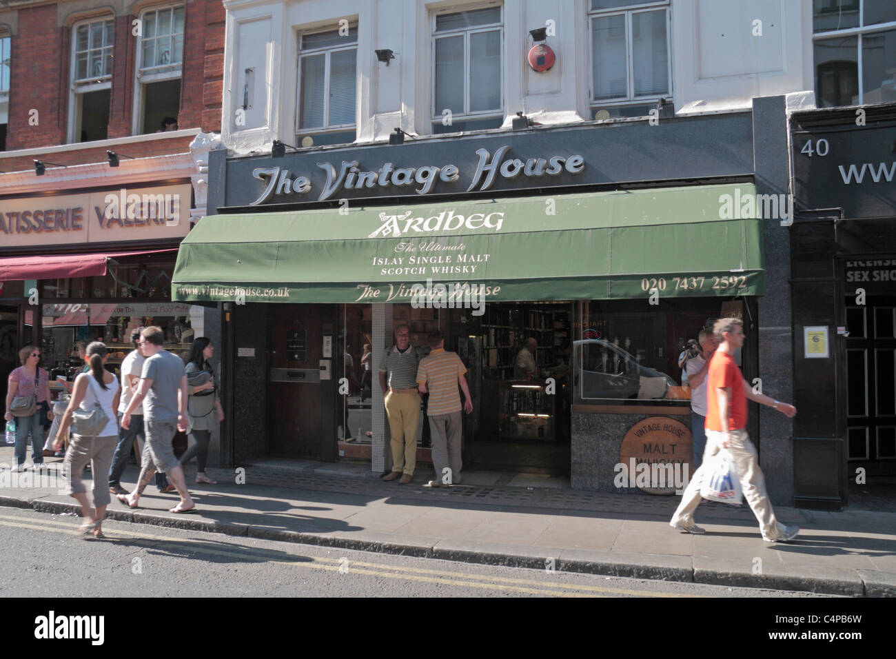 The Vintage House Malt Whisky Specialists In Old Compton Street Stock Photo Alamy