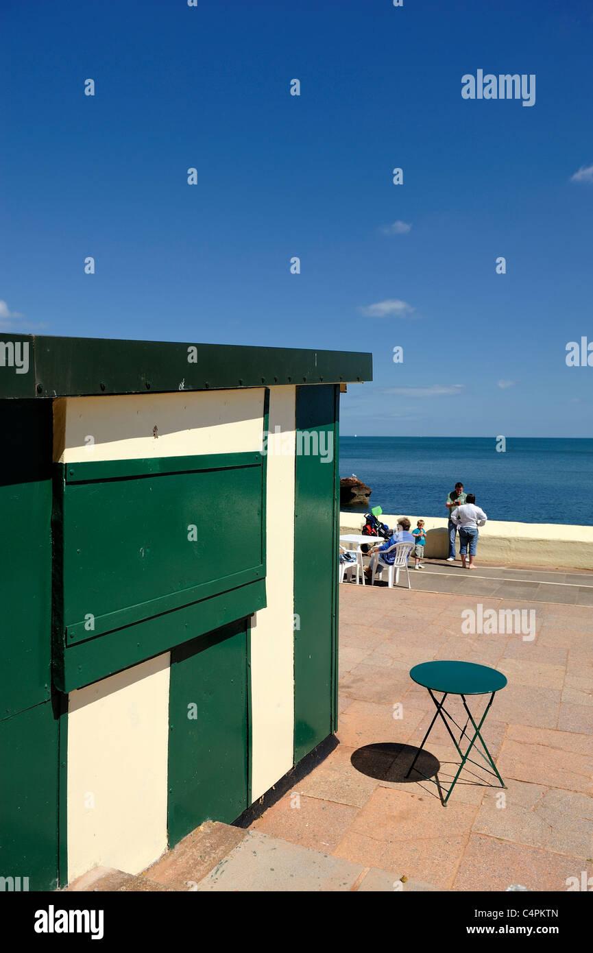 closed sea front refreshment kiosk dawlish devon england uk - Stock Image