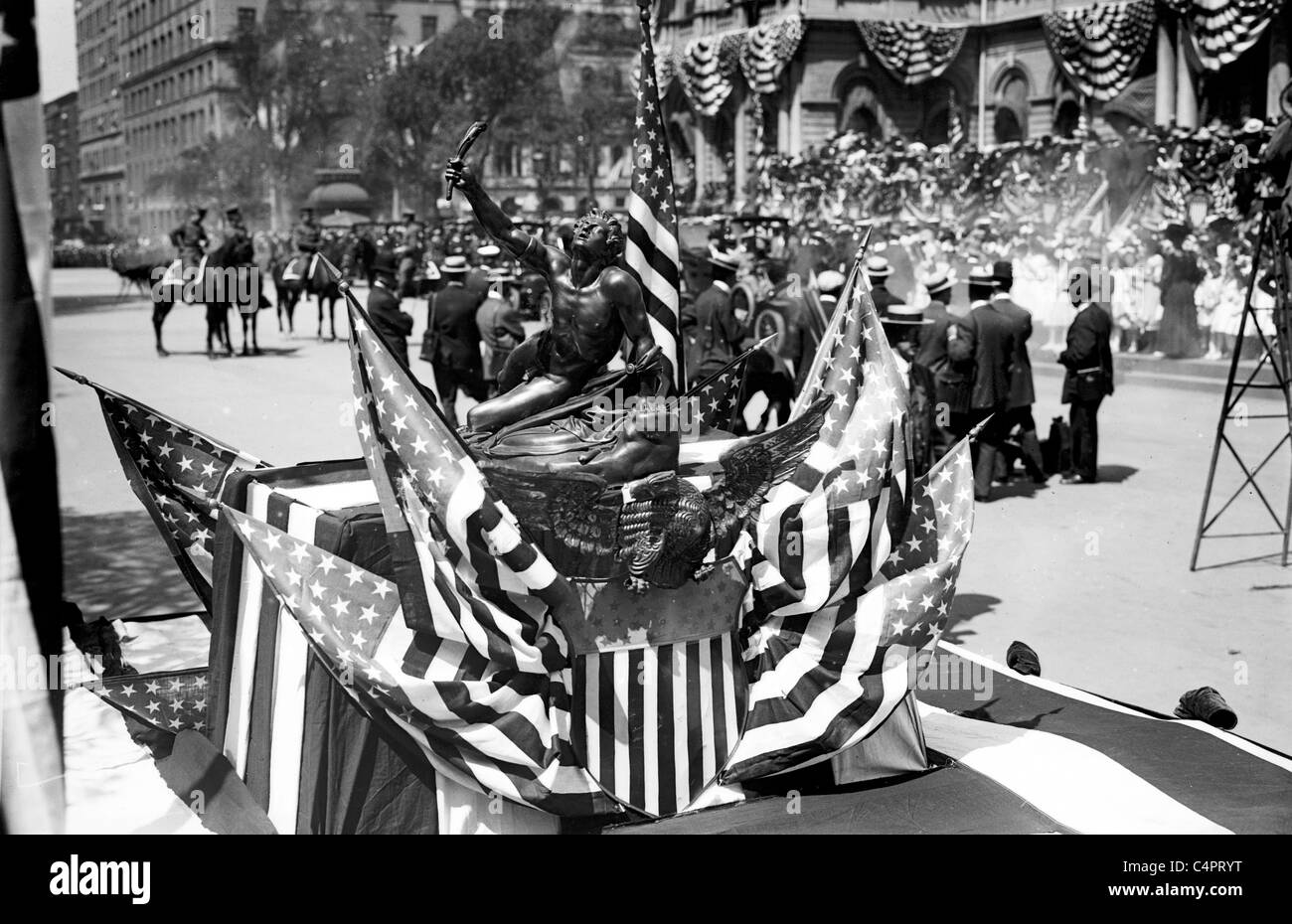 Olympic Athlete's Reception, Marathon trophy, New York. 1908 - Stock Image