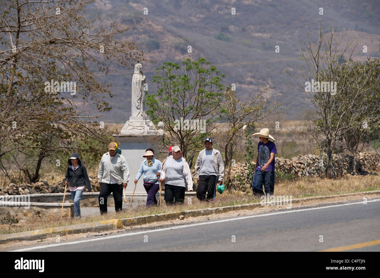 A group of devoted walkers make their way to Talpa de Allende during the annual pilgrimage to visit the Virgin of Stock Photo
