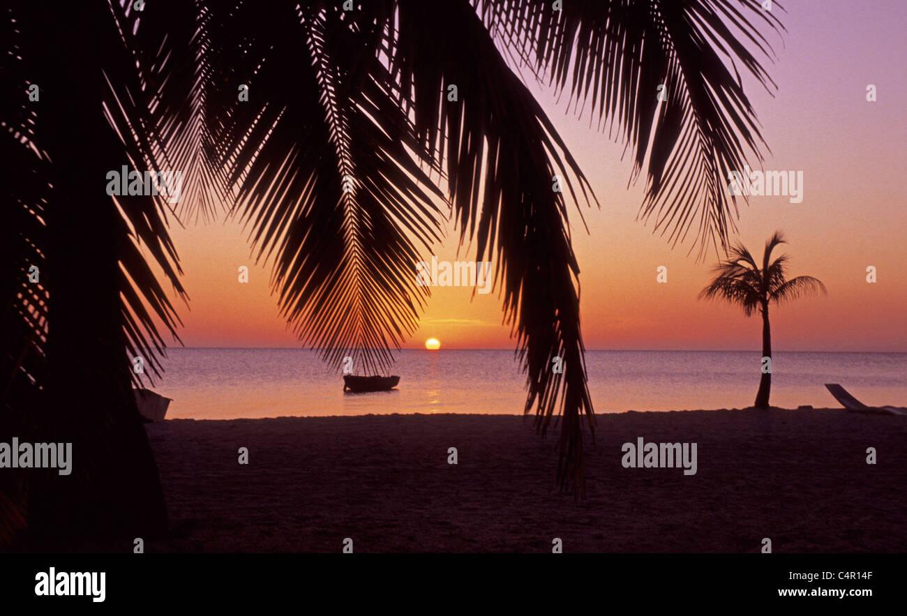 Caribbean sunset at Roatan island, Bay islands, Honduras, Caribbean - Stock Image