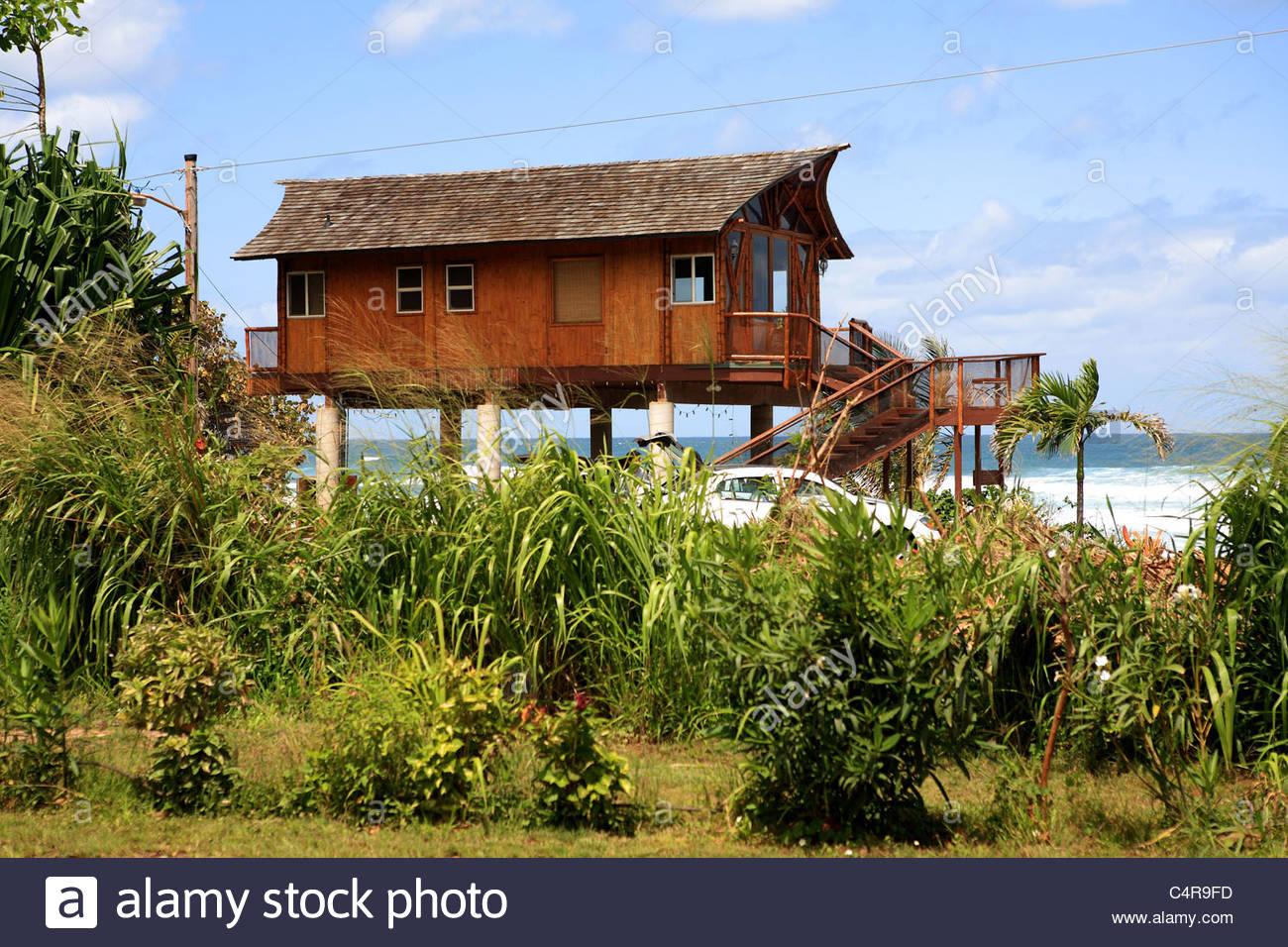 United States, Hawaii, Oahu island, North Shore, house on ...