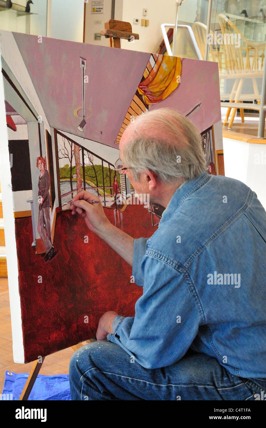 Artist Mel Leipzig at work in the Noyes Art Museum, May, 2011 - Stock Image