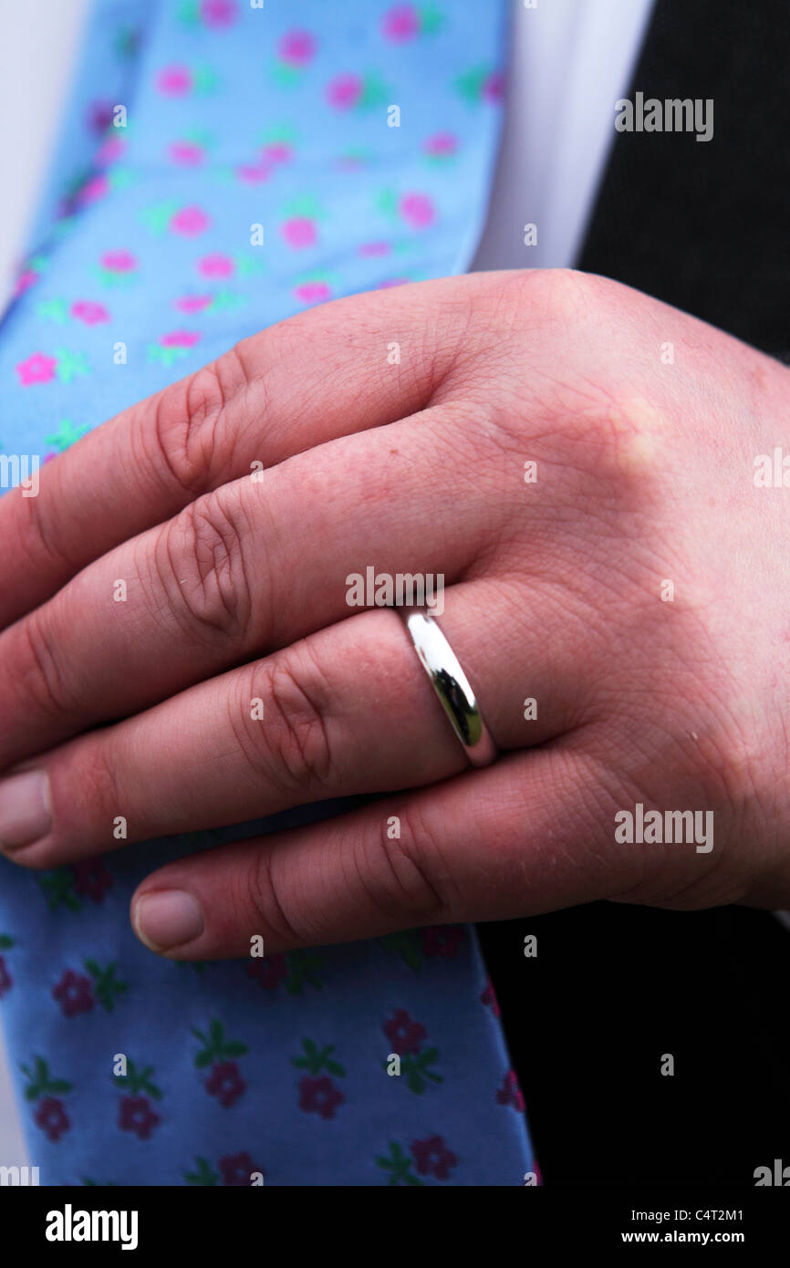 Wedding Finger Uk Stock Photos & Wedding Finger Uk Stock Images - Alamy