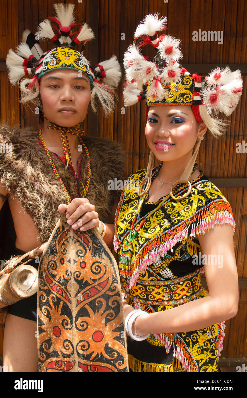 Portrait Of A Traditional Orang Ulu Warrior And Kenyah Woman In Stock Photo Alamy