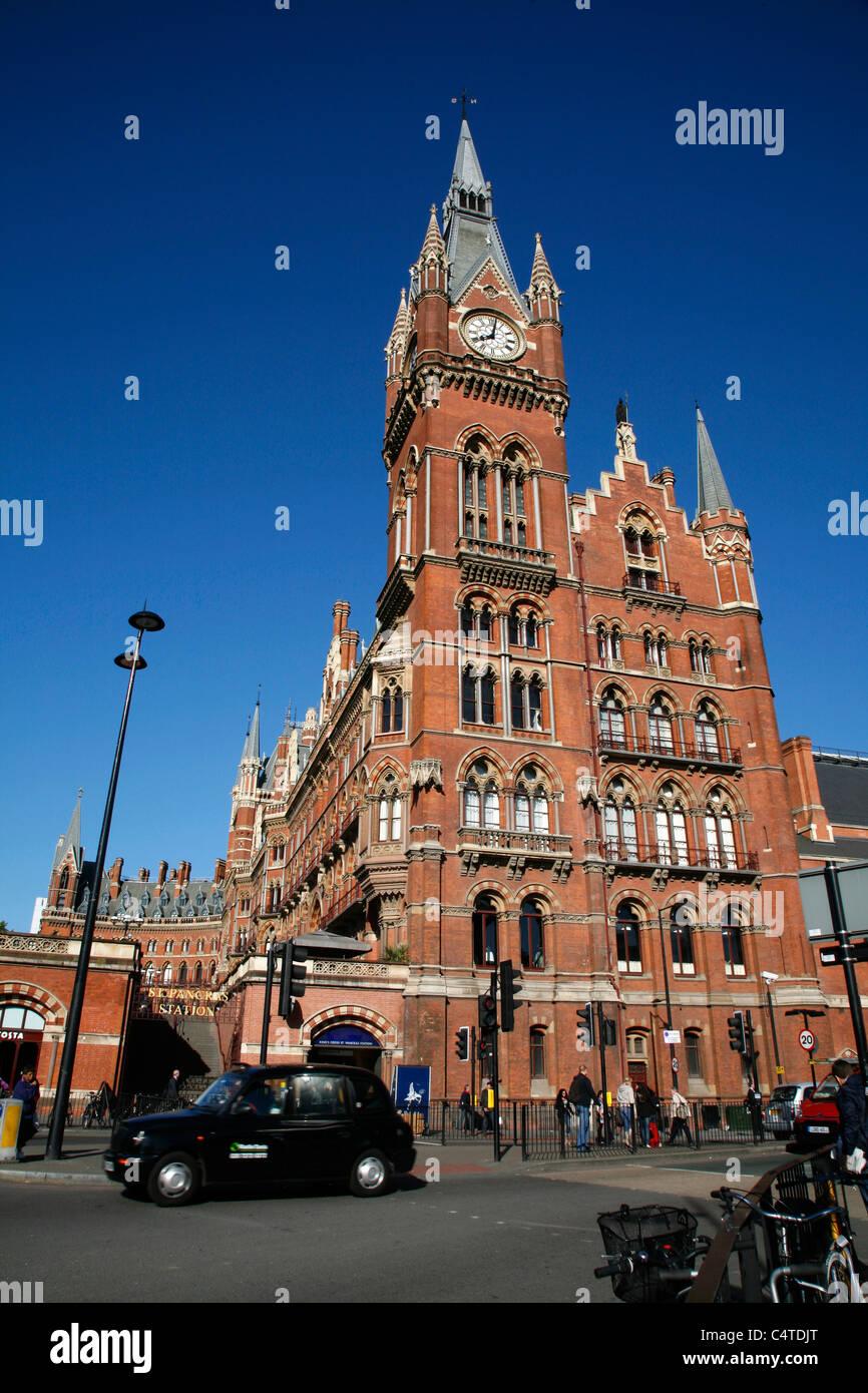 St Pancras Station (and St Pancras Renaissance Hotel), St Pancras, London, UK - Stock Image
