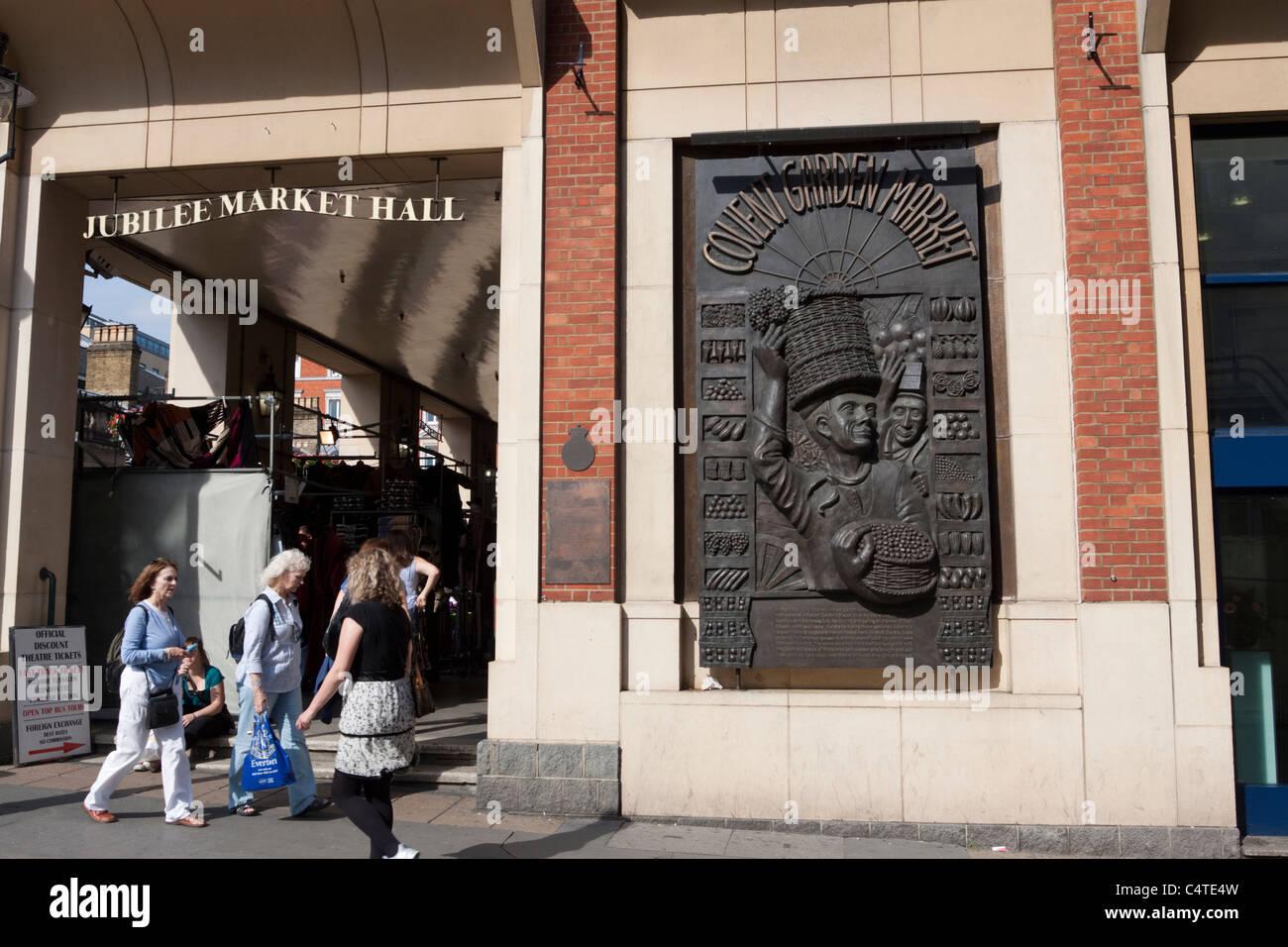 Covent Garden Market bronze plaque, London, England, UK - Stock Image