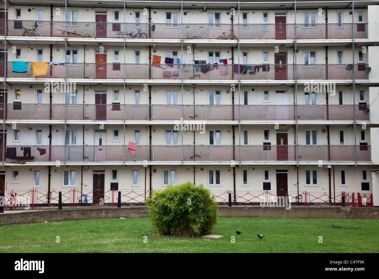 Council flats in Tower Hamlets, East London. A poor, over populated area with many living in small homes in high - Stock Image