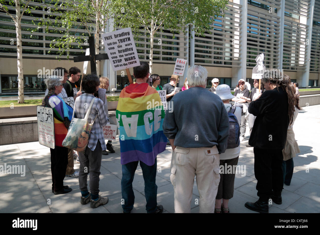 A protest for Bradley Manning (leaked Iraq info to Wikileaks in 2010) outside the Home Office, Marsham Street, London. - Stock Image