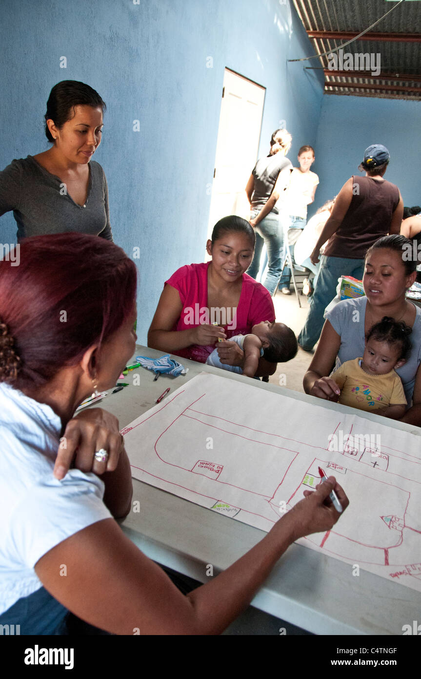 Empowerment community workshop for women in La Carpio San José Costa Rica - Stock Image