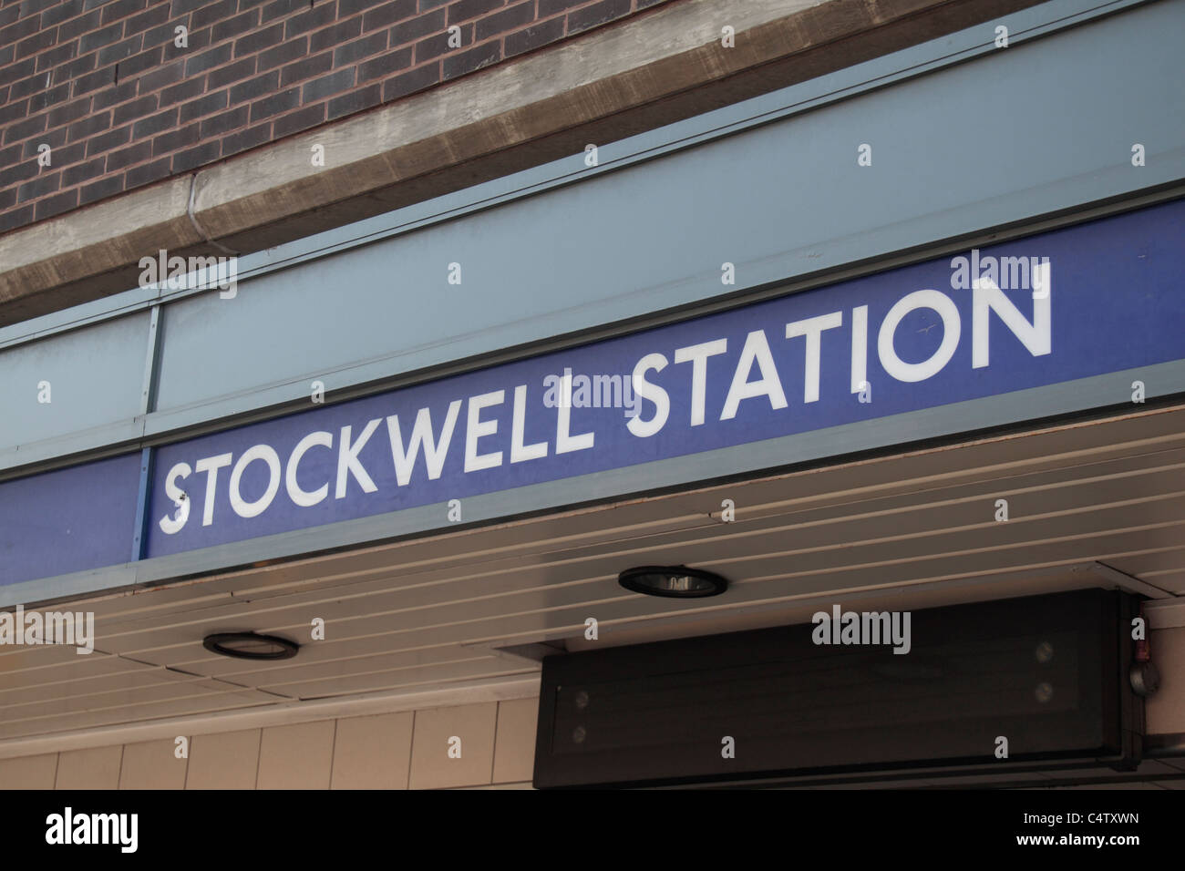 Stockwell tube station, site of the July 2005 Police shooting of Charles de Menezes  in south London, UK. - Stock Image