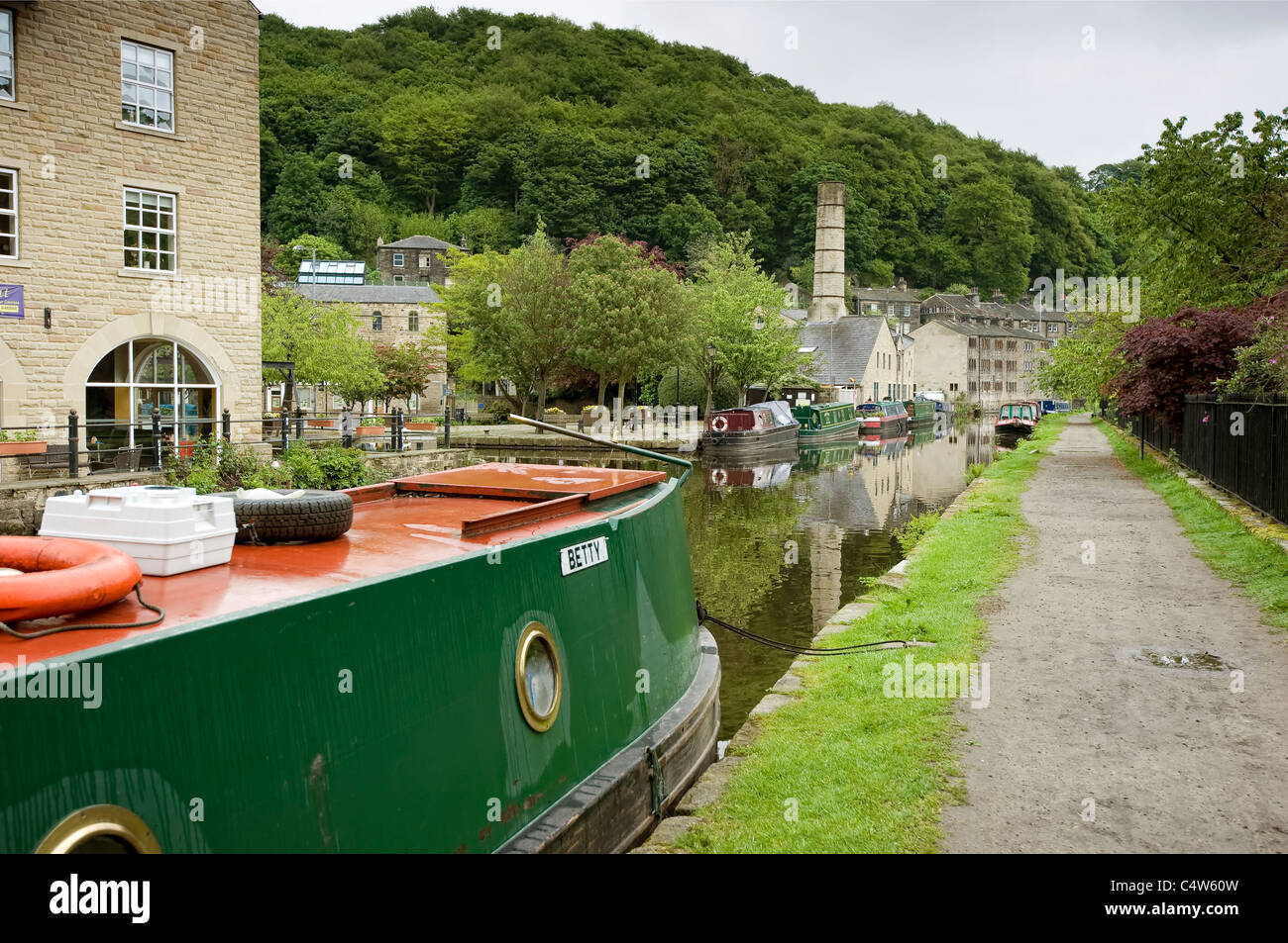 narrowboats at there moorings in hebden bridge - Stock Image