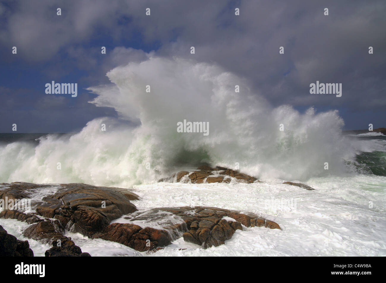 Waves crashing on the shore County Donegal, Southern Ireland - Stock Image