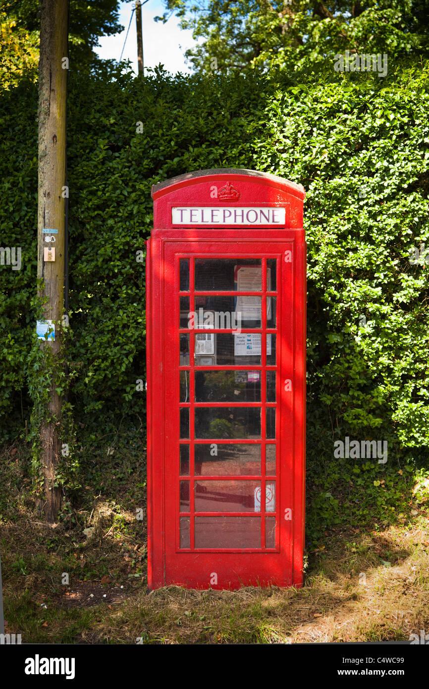 Traditional British red phone box, England, UK - Stock Image