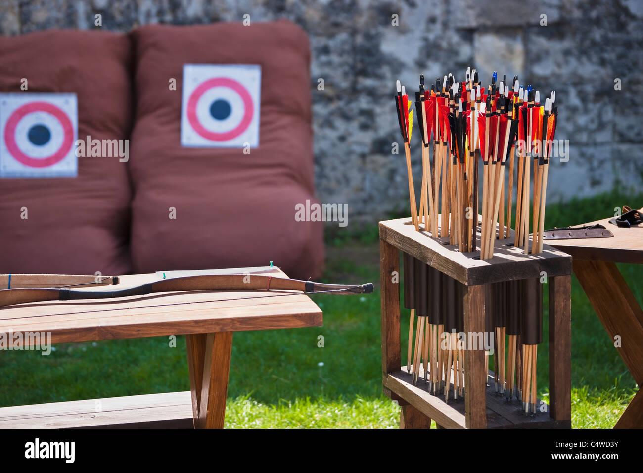 Bogenschießen   archery - Stock Image