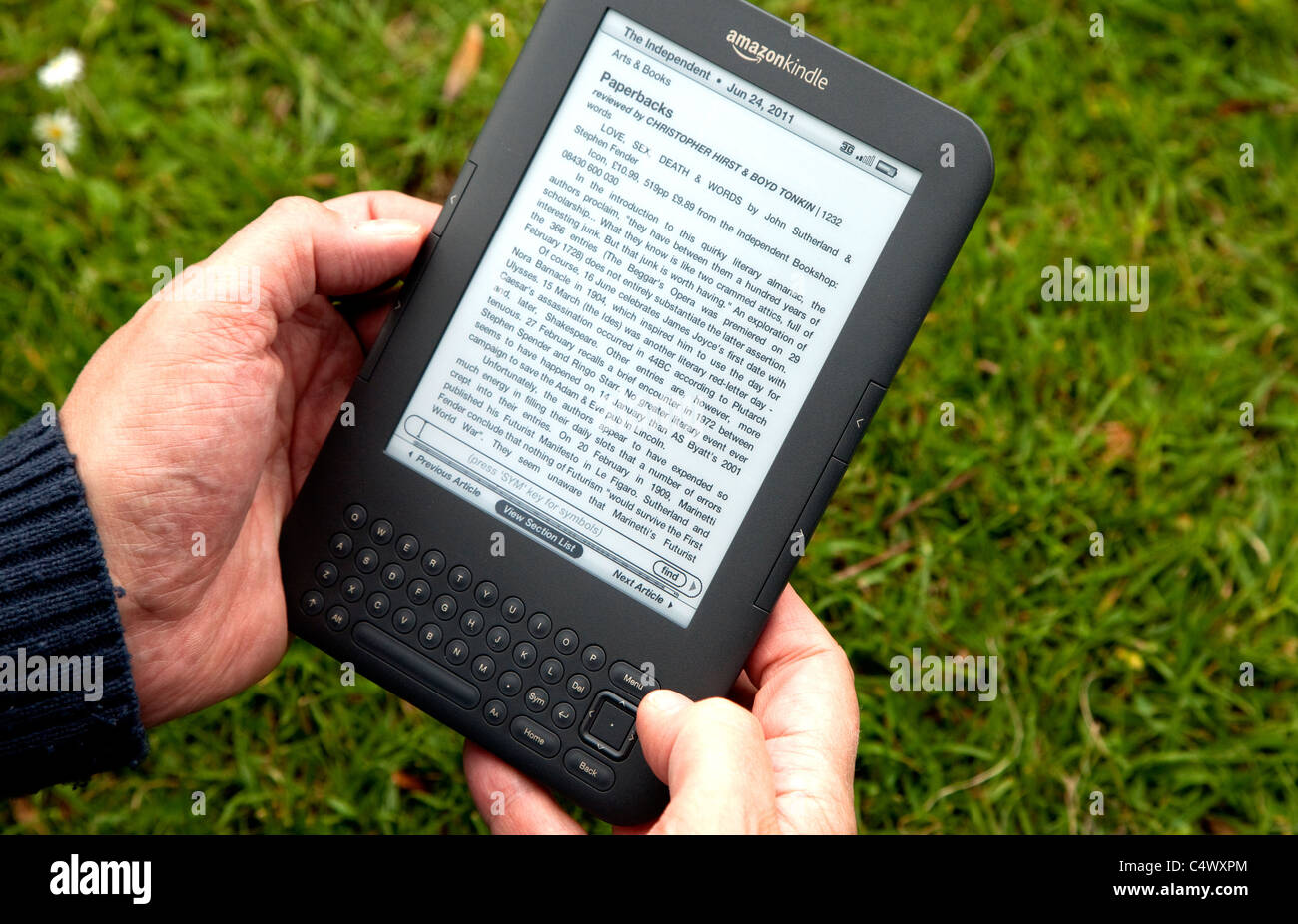Amazon Kindle 3G e-book reader Stock Photo: 37449180 - Alamy
