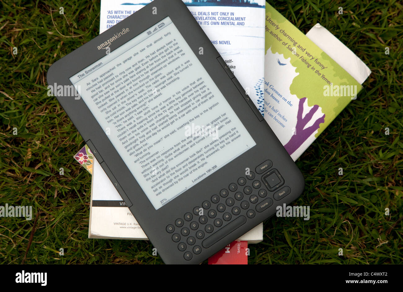 Amazon Kindle 3G e-book reader Stock Photo: 37449218 - Alamy