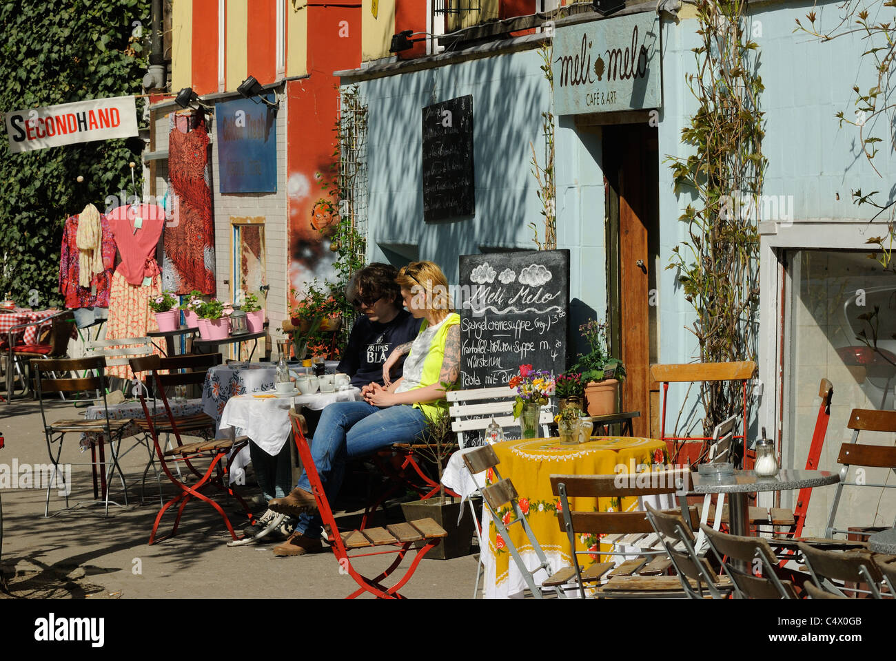 cafe bar meli melo solmsstrasse corner bergmannstrasse popular stock photo 37450571 alamy. Black Bedroom Furniture Sets. Home Design Ideas
