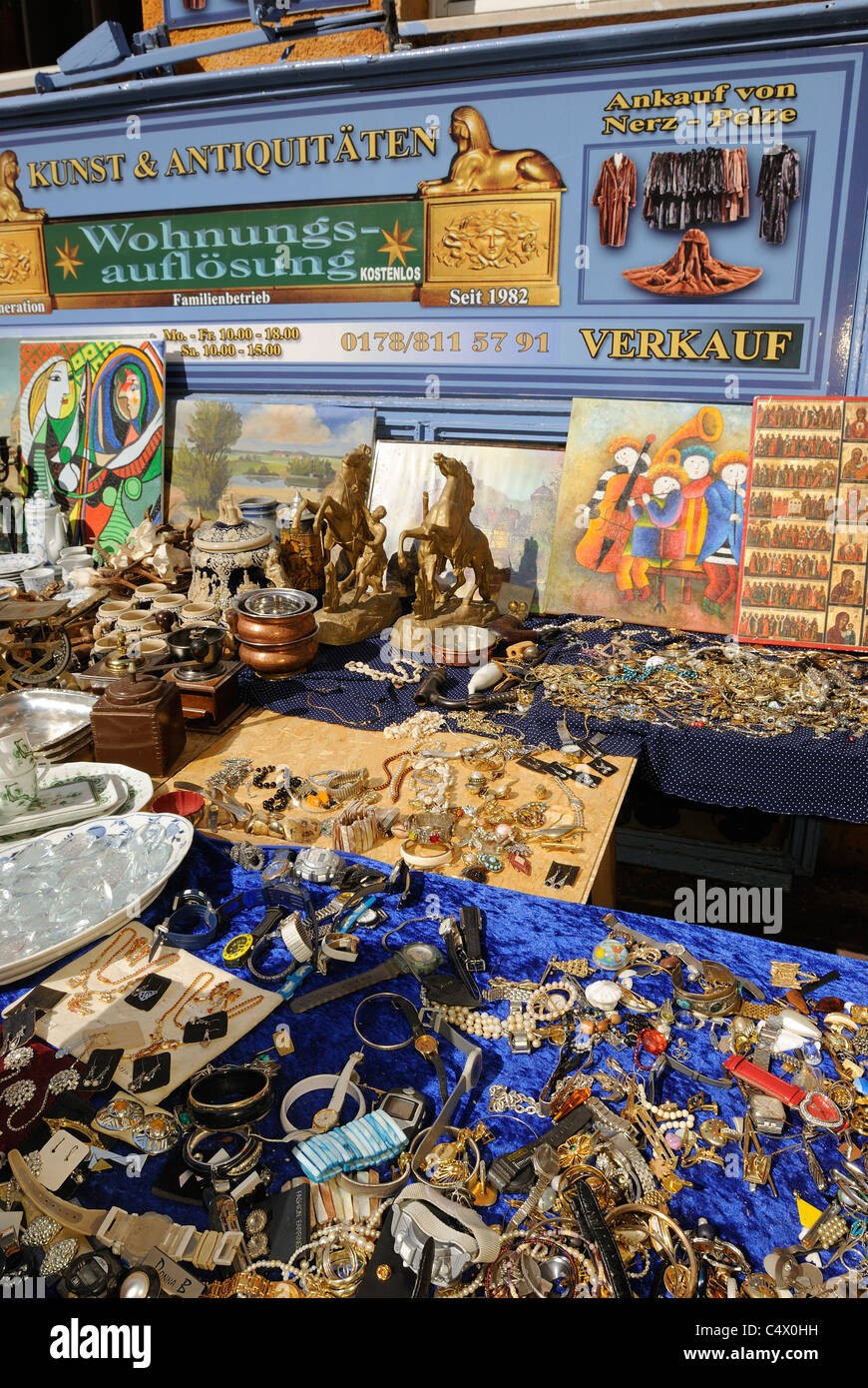 Flea Market Art And Antiques Second Hand Store Popular Street