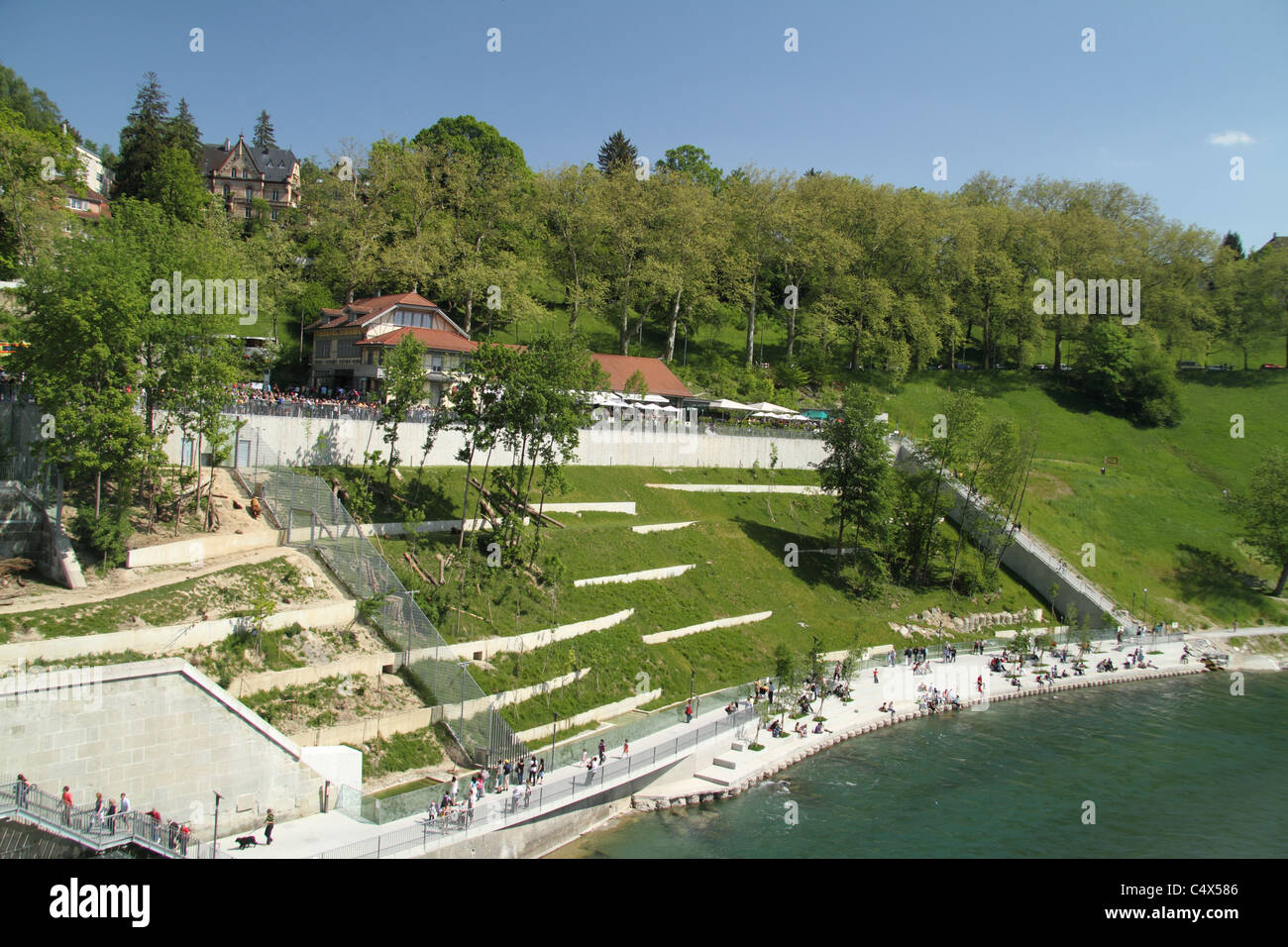 BärenPark (Bear Park) on the banks of the Aare River - Stock Image