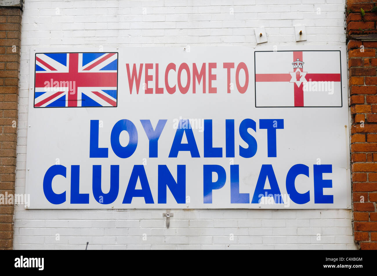 Sign 'Welcome to Loyalist Cluan Place' - Stock Image