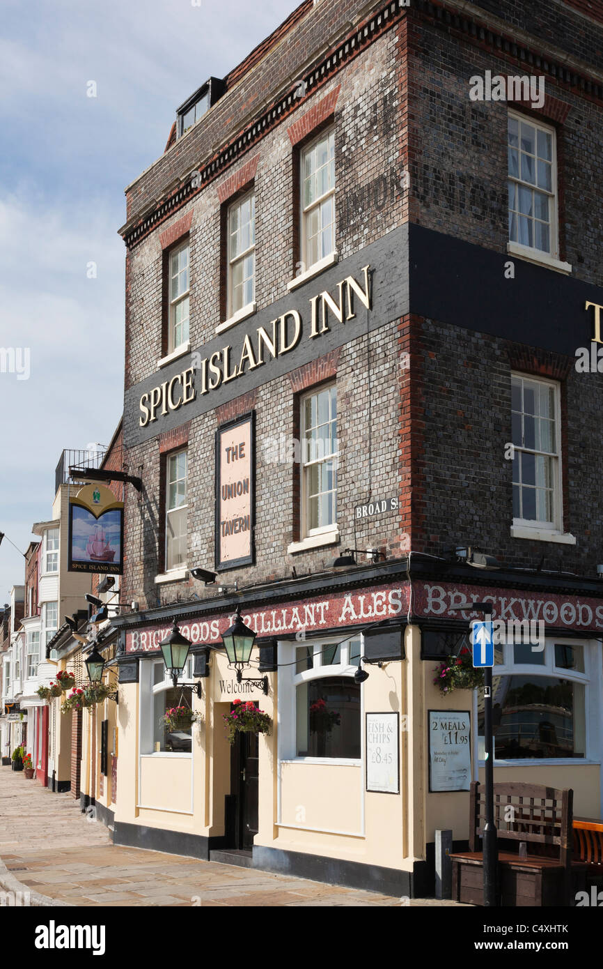 The Spice Island Inn in Broad Street, Old Porstmouth, Hampshire, UK Stock Photo