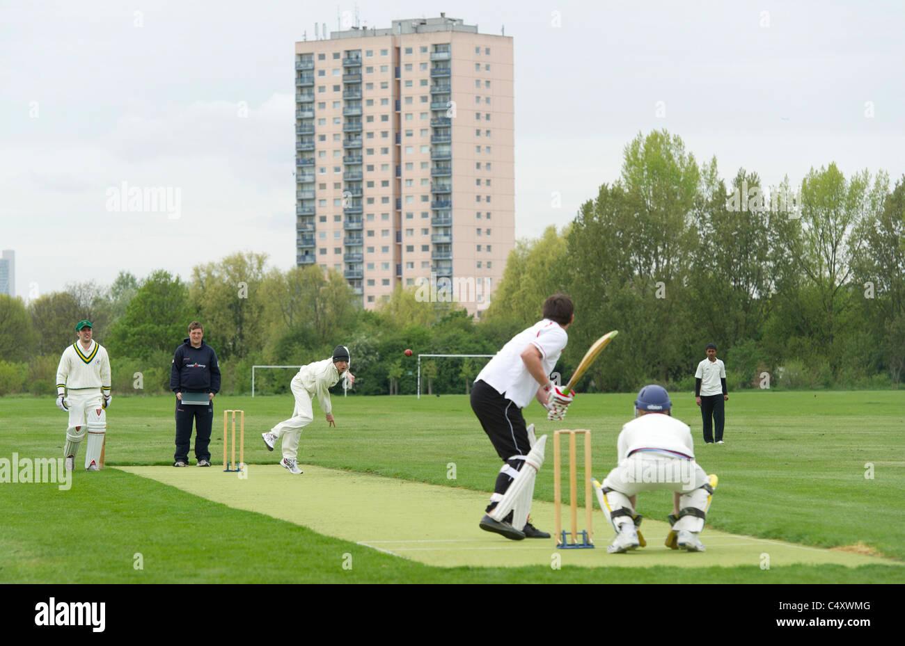 city 'council estate' cricket urban - Stock Image