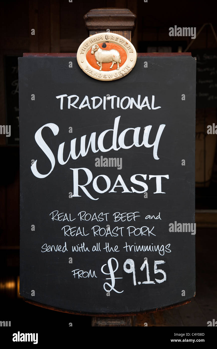 Sunday Roast Menu Sign in London, Pub, England Stock Photo