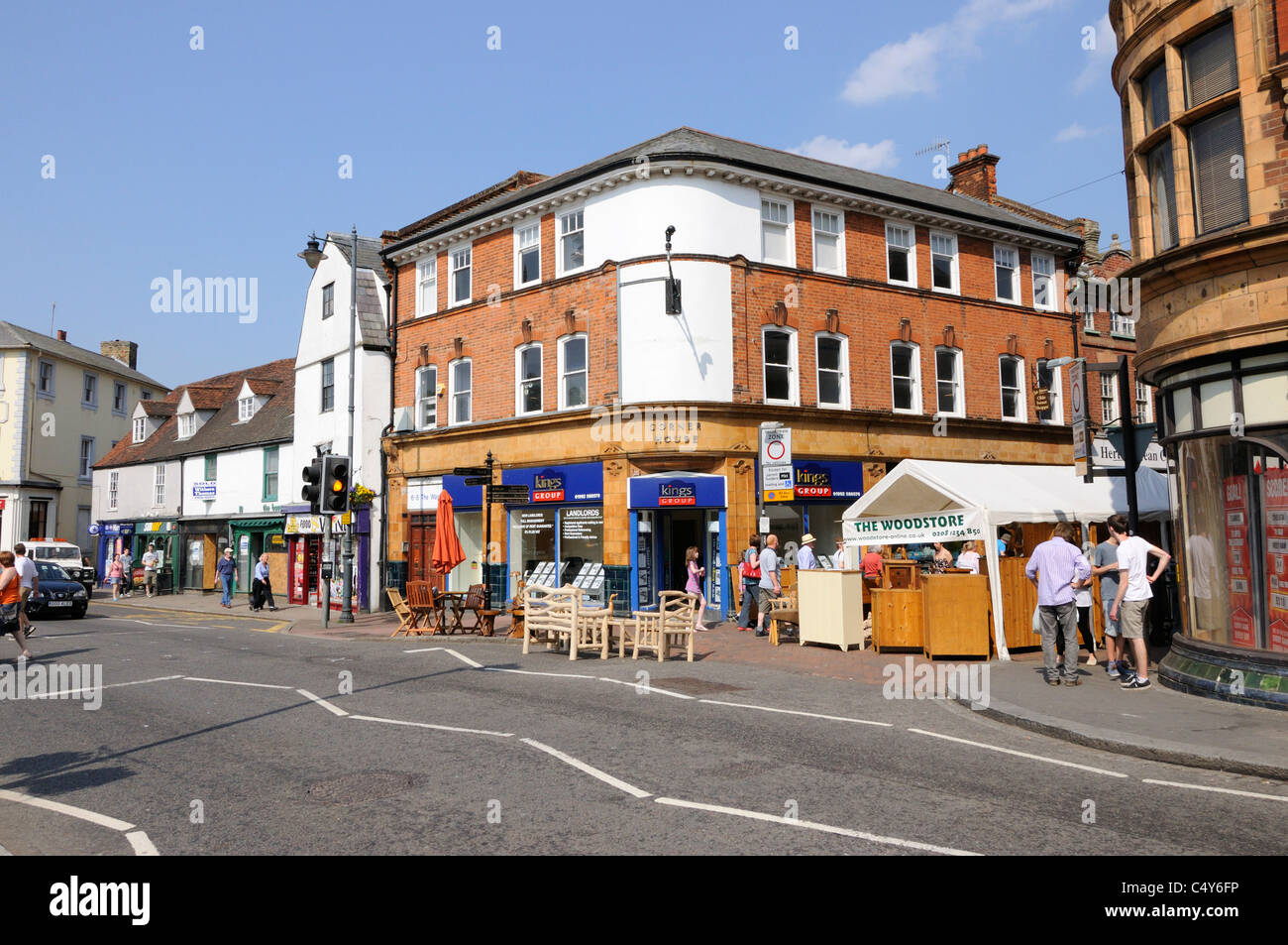 Market stalls at the junction of Maidenhead Street and the Wash, Hertford - Stock Image