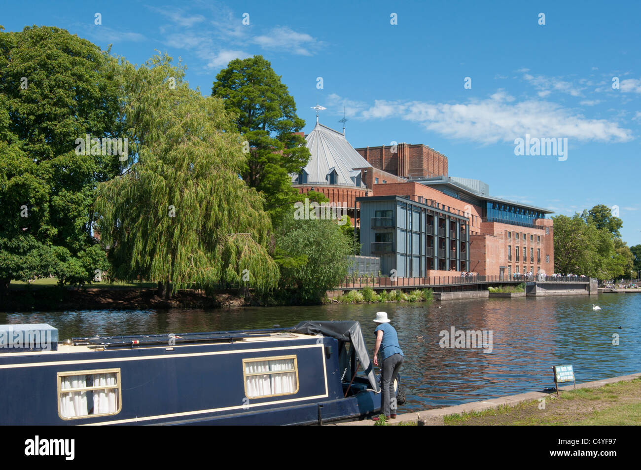 The river Avon in Stratford, with RSA theatre in Background. UK - Stock Image