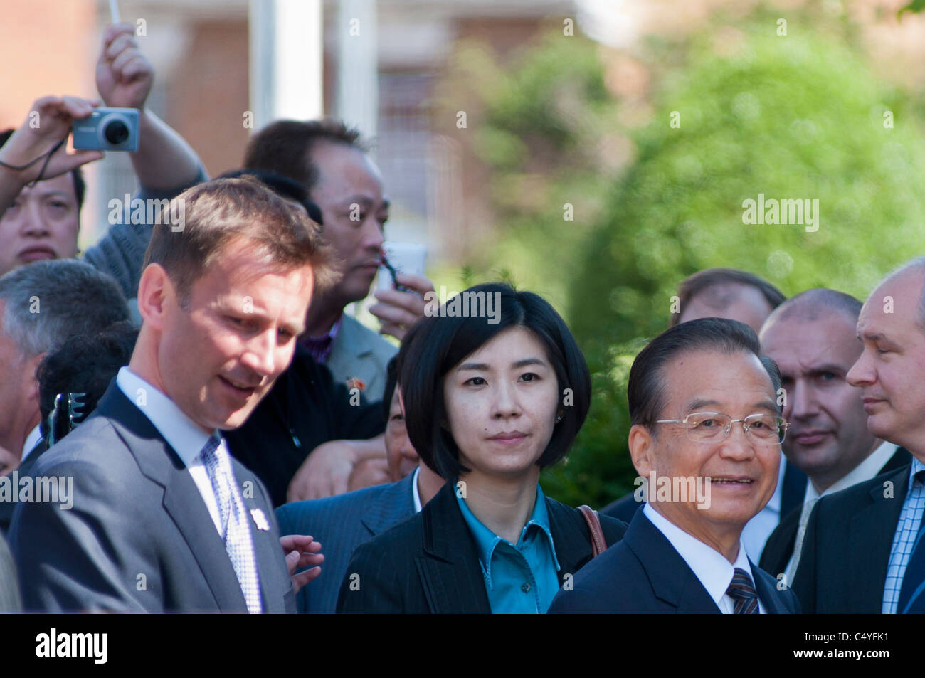 Chinese Prime Minister Wen Jiabao and interpreter with Culture secretary Jeremy Hunt visiting Stratford upon Avon, - Stock Image