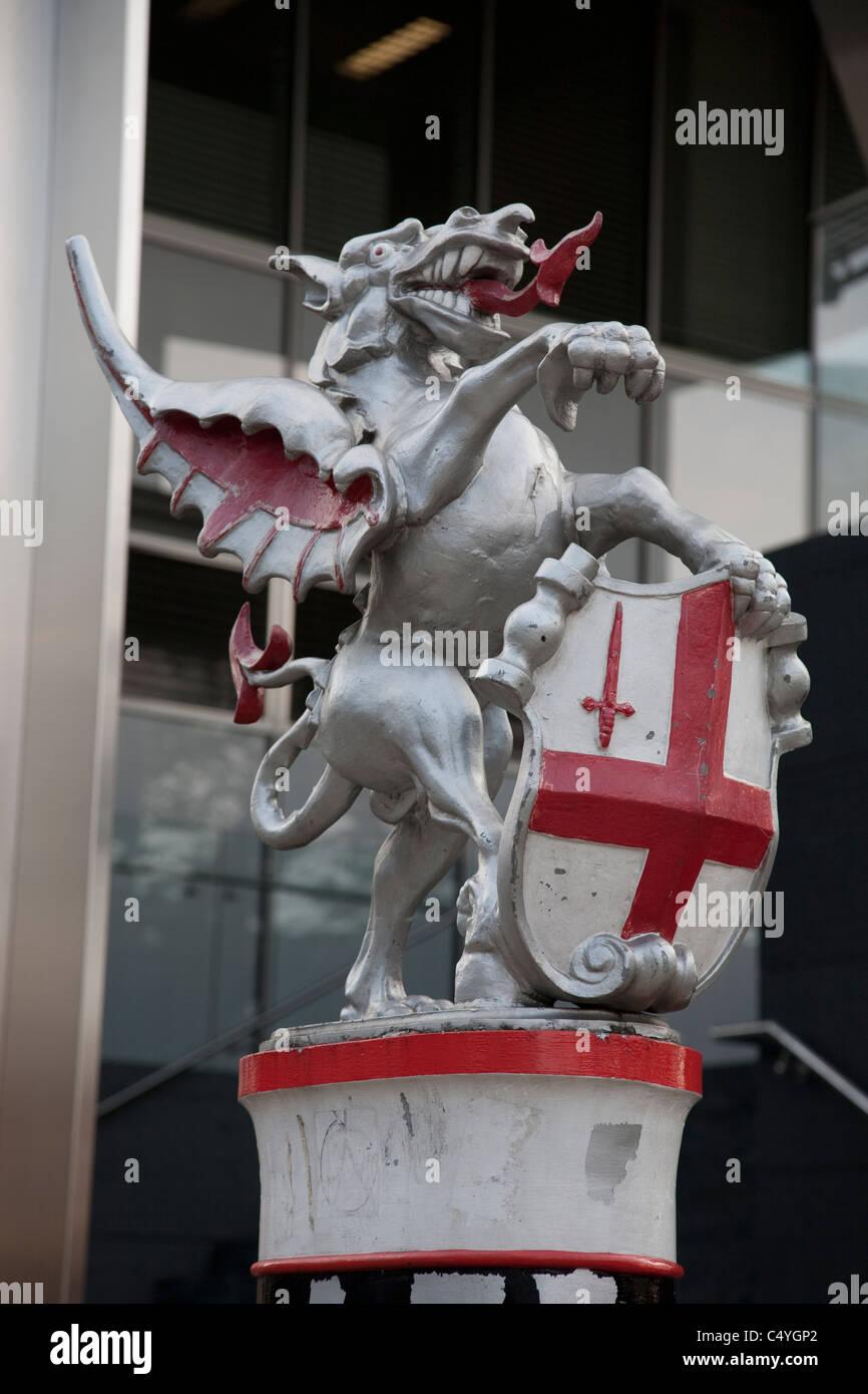 Shoreditch High Street: Dragon And St George Art Sculpture In Shoreditch High